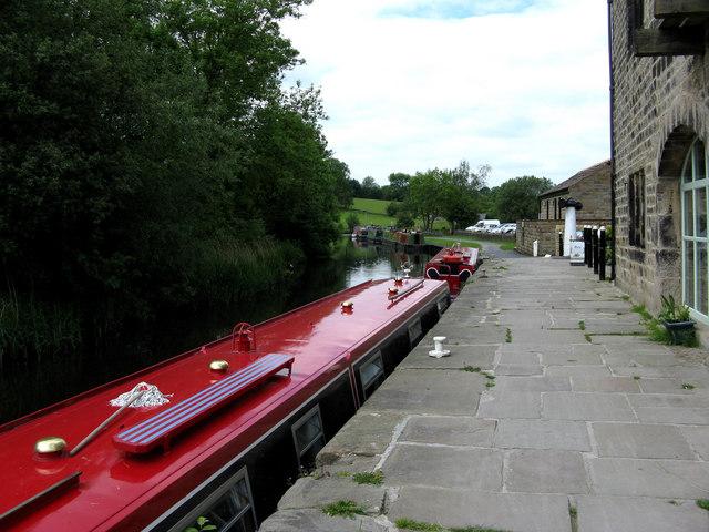 Leeds & Liverpool Canal:  Foulridge Wharf