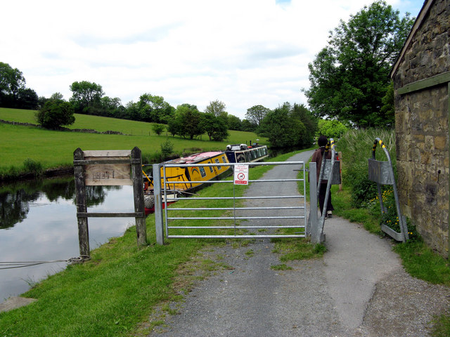 Leeds and Liverpool Canal:  Foulridge