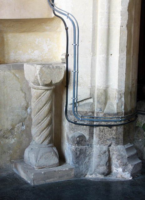 All Saints, East Winch, Norfolk - Pedestal piscina