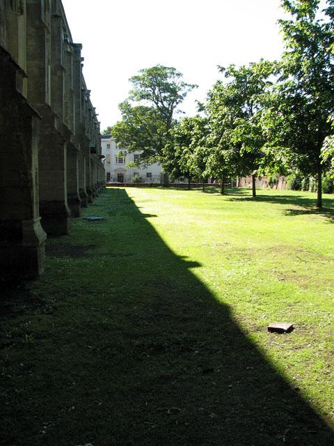 St Nicholas' chapel - churchyard