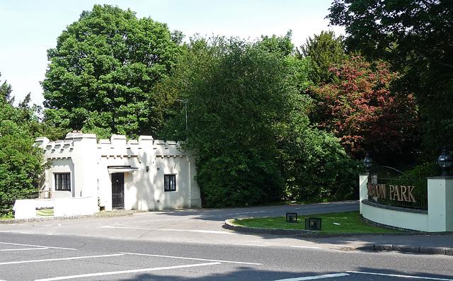 Lodge, Selsdon (2)