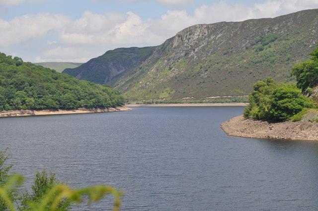 Looking up Garreg Ddu reservoir