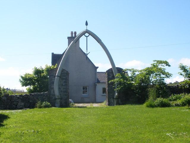 Whalebone arch at Bragar
