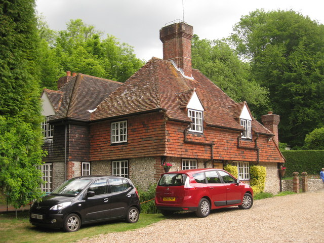 Keeper's Cottage, Filching Manor