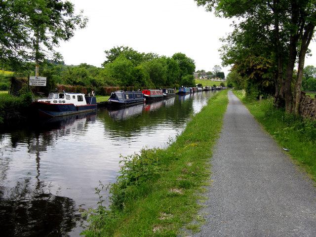 Leeds & Liverpool Canal:  Boat Club moorings