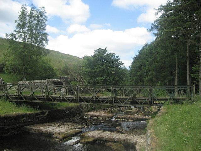 Footbridge over Langden Brook