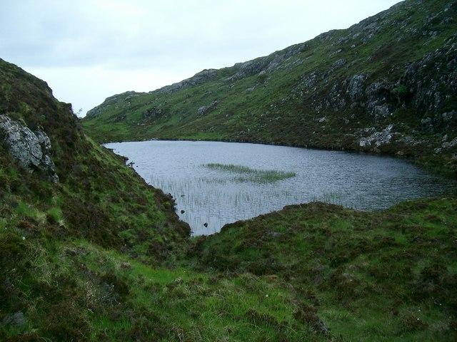 Tiny, unnamed lochan near Loch a' Ghlinnein