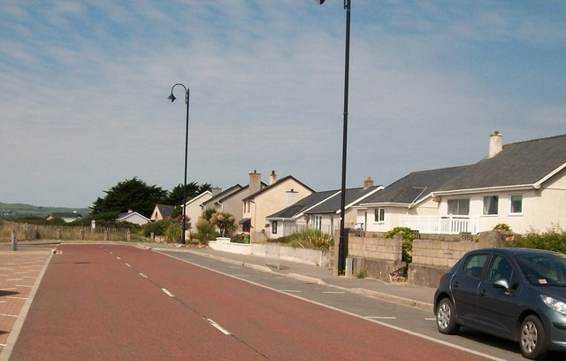 Bungalows at the western end of Pwllheli's promenade