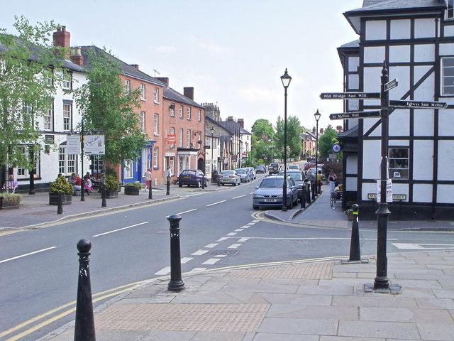 Llanfyllin High Street