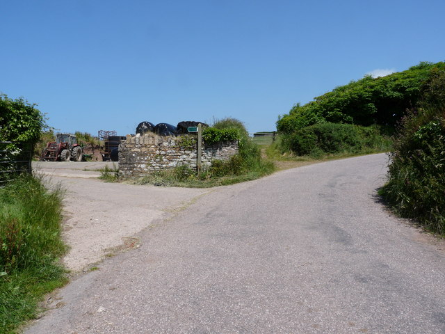 A footpath on Down Lane which leads to Woolacombe or Putsborough Sands