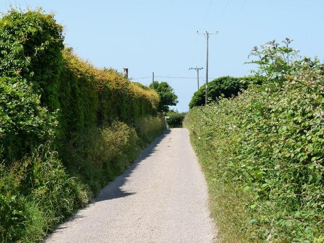 Approaching Pickwell Cross