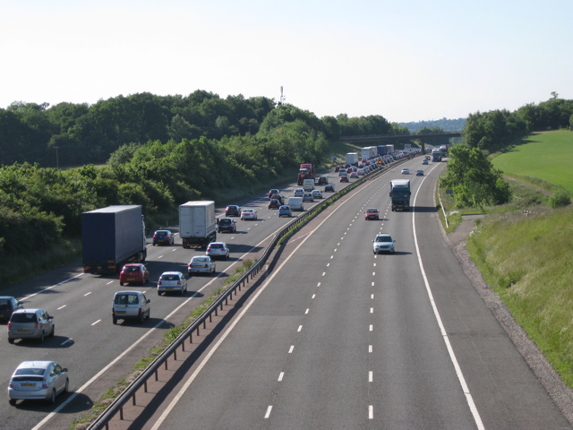 Queue forming, M40 northbound near Shrewley