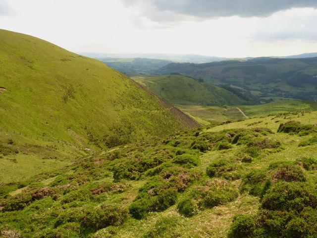 Across the Nant Llywelyn towards the ridge of Esgair Ddu