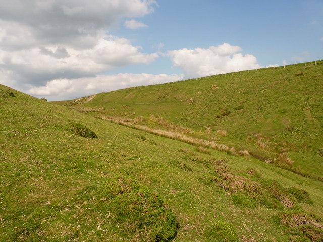 The upper Nant Llywelyn valley
