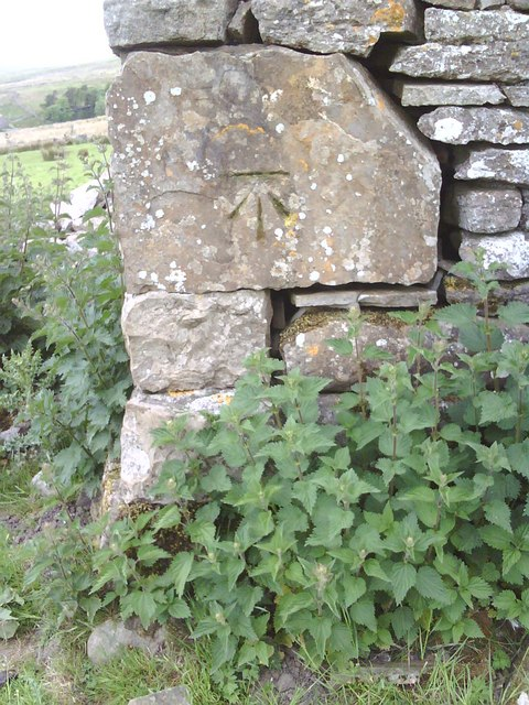 Benchmark on derelict barn, Grisedale Brow
