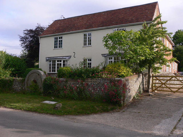 House with millstone in Chalton
