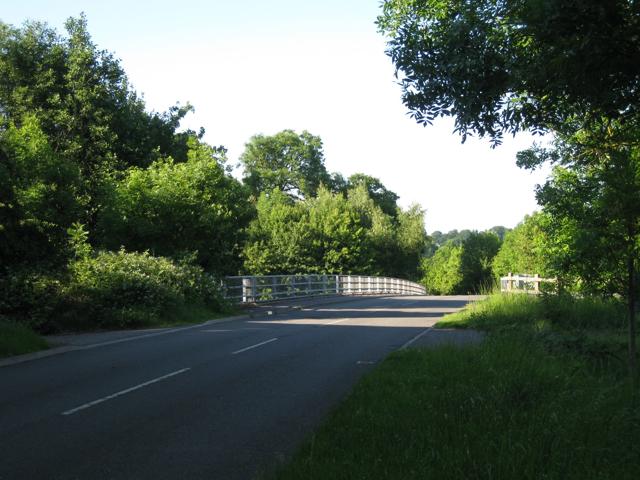 Station Road nears M40 crossing