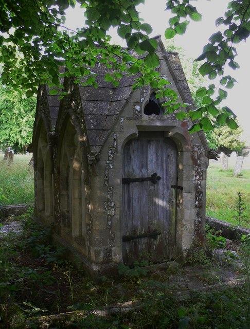 Churchyard memorial at Chalton