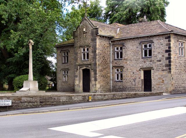 Whalley War Memorial and Royal Grammar School Building