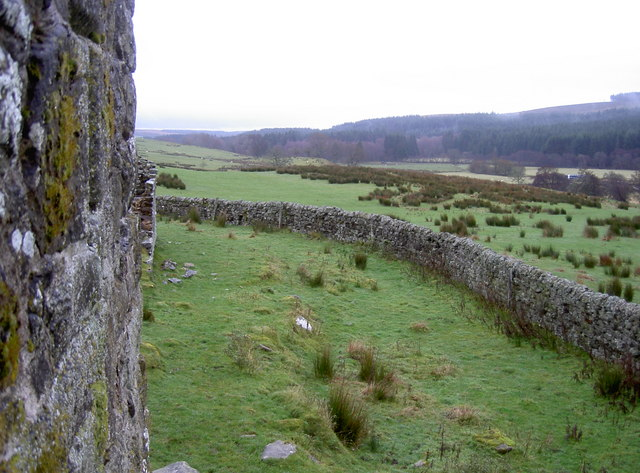 Walled enclosure around Black Midden bastle