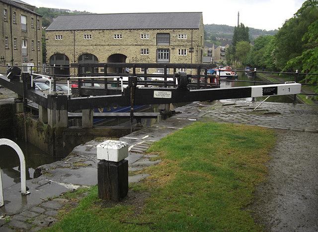 Rochdale Canal Lock 1, Sowerby Bridge