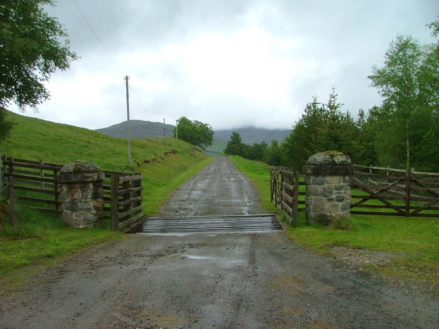 Entrance to Dunmaglass Mains