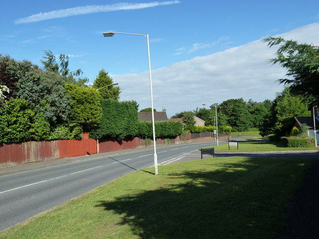 Approaching the junction of  Frendstaple Road and Spruce Avenue