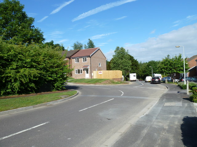 Junction of Spruce Avenue and Trefoil Close