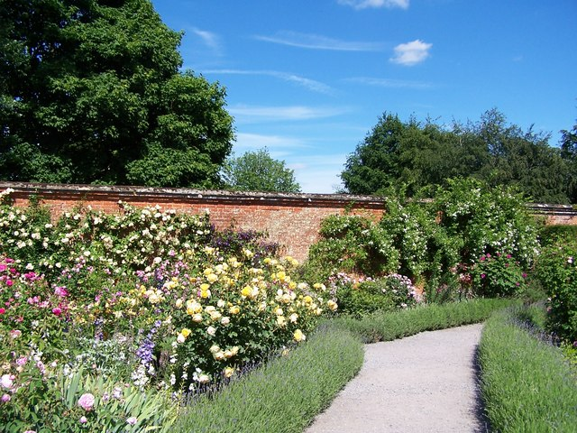 Walled garden Mottisfont