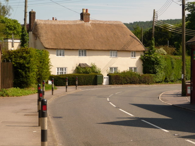 Shillingstone: thatched cottage on the main road