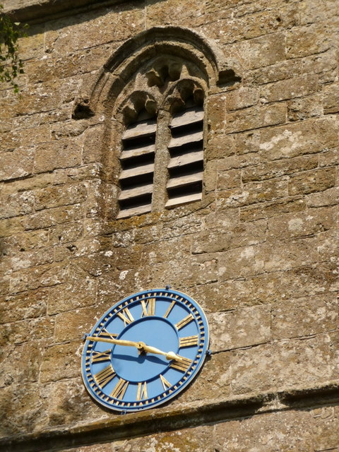 Shillingstone: church clock close-up