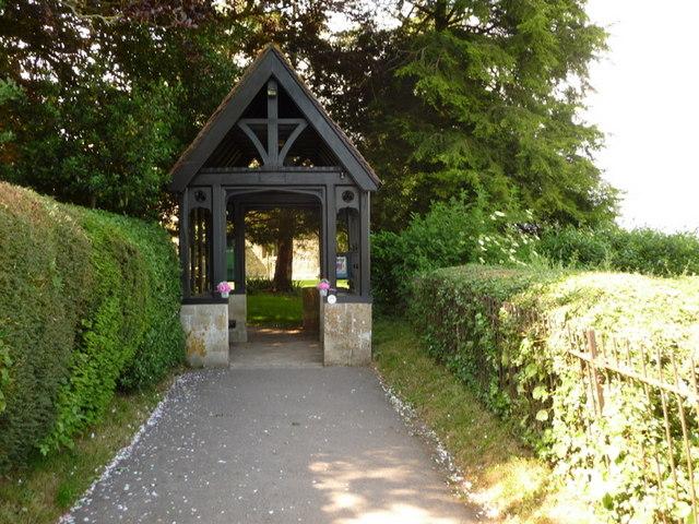 Shillingstone: path to the church