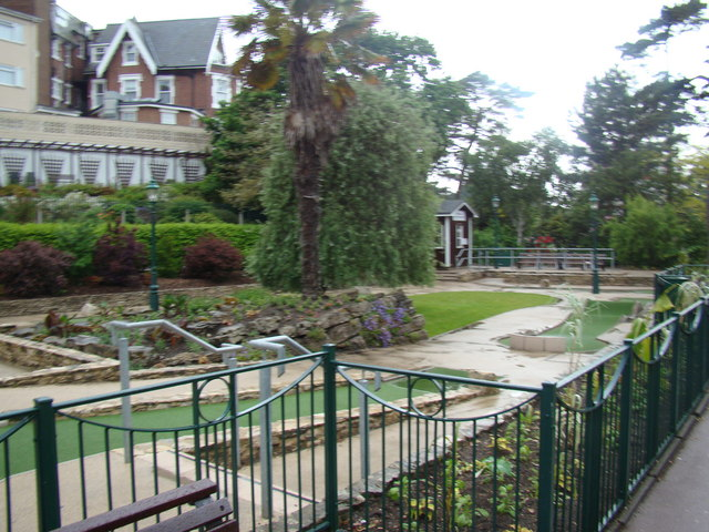 Miniature golf course in Lower Gardens