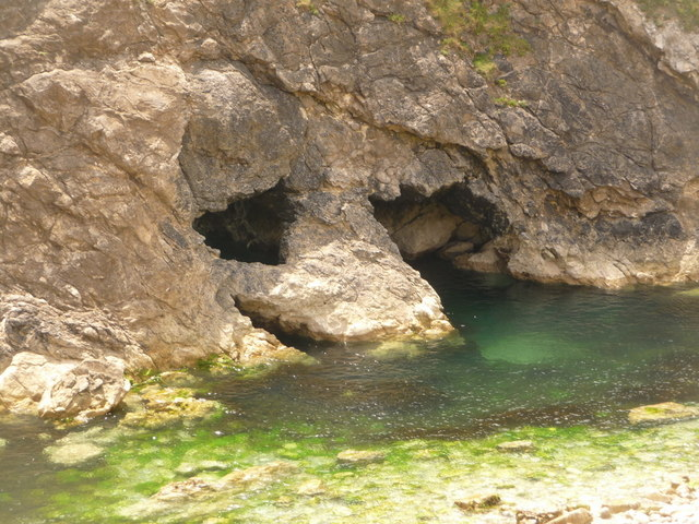West Lulworth: smiling rocks at Stair Hole