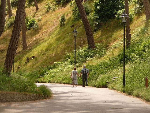 Boscombe: walking through Boscombe Chine Gardens