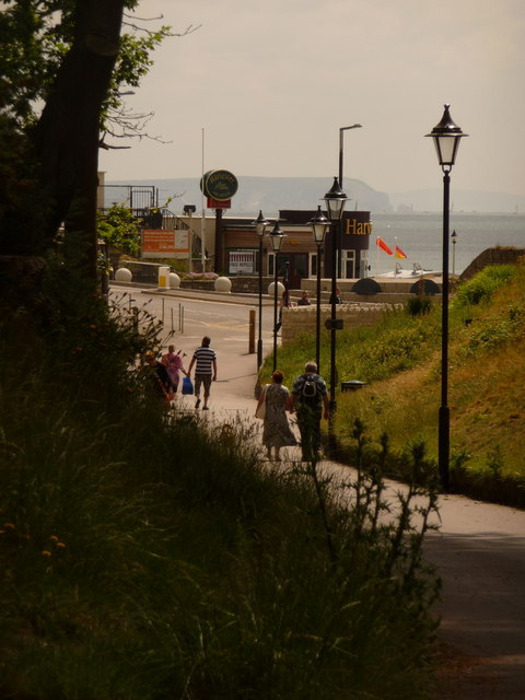 Boscombe: approaching the pier with the Isle of Wight beyond