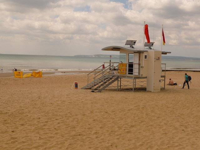 Boscombe: lifeguard lookout