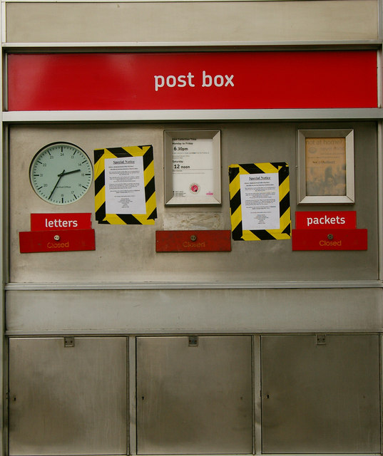 Hampstead Post Office - postbox closed!