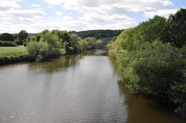 Looking down the River Wye from Whitney-on-Wye toll bridge