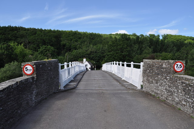 Looking across the toll bridge at Whitney-on-Wye