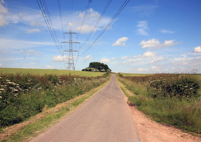Pylons over the Laxton road