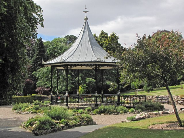 Bandstand in Park Road Gardens
