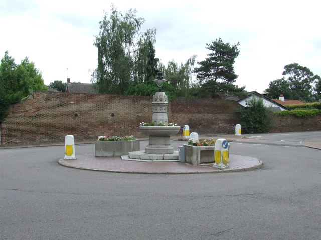Roundabout, Thames Ditton