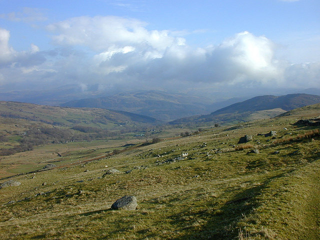 View down Hirgwm