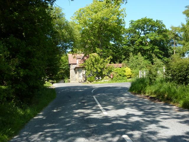 Junction of Gisburn Road and Stump Cross Road