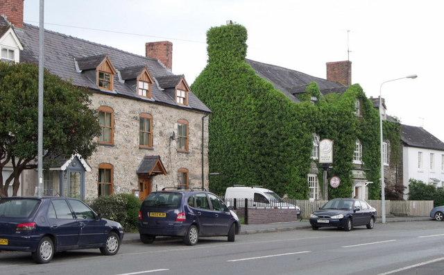 King's Head, Meifod, Powys