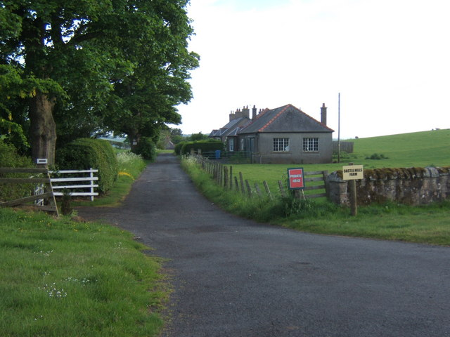 Minor Road to Castle Hills Farm