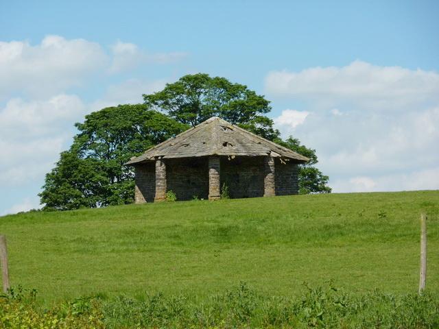 Barn north east of Ellenthorpe Farm