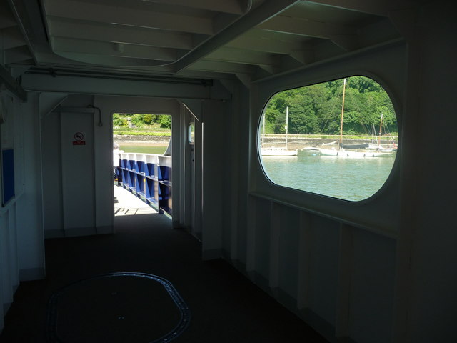 Dartmouth : Higher Ferry on the River Dart