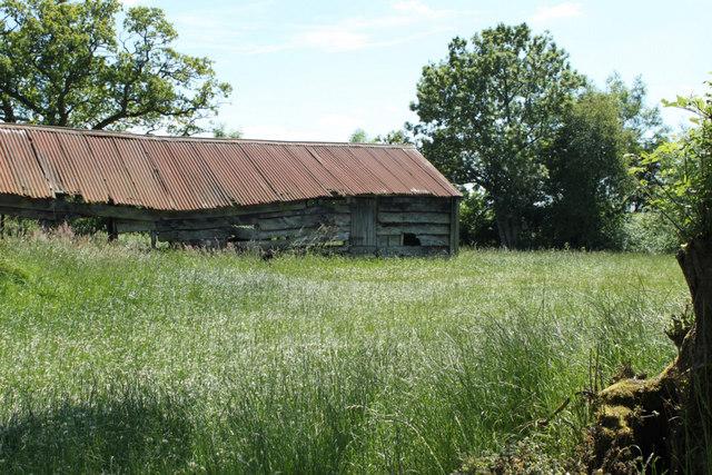 2010 : Tumbledown barn